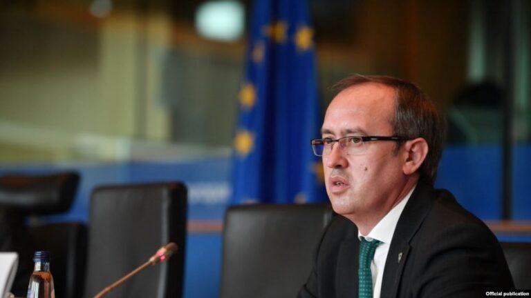 Hoti mesazh Serbisë: Na njihni, ose do kthejmë reciprocitetin si qeveria Kurti