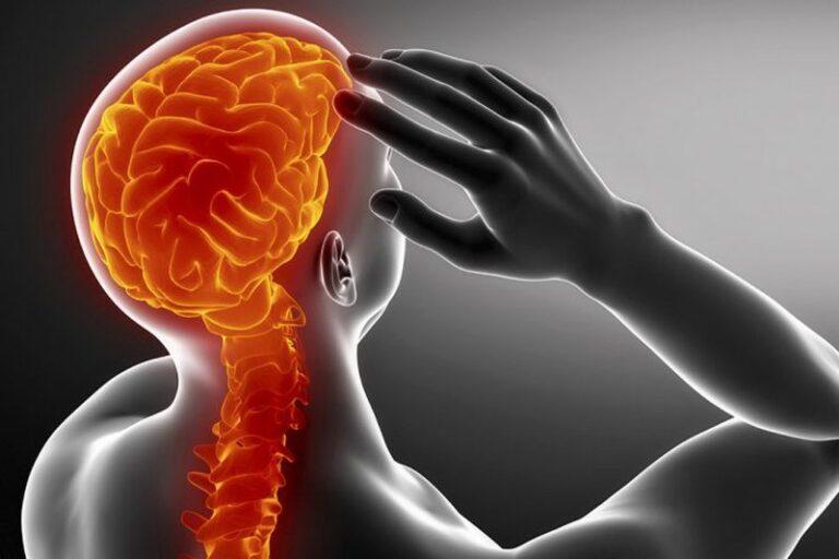 Zbuloni çfarë problemi shëndetësor paralajmëron dhimbja e kokës