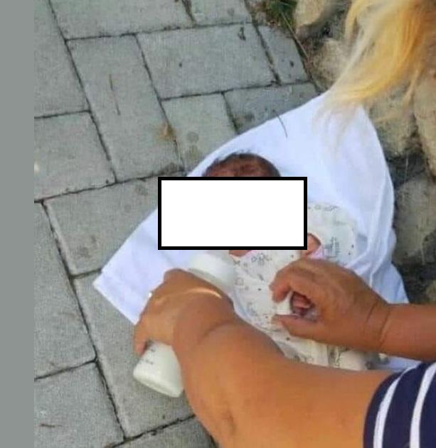 Gruaja gjen fëmijën e braktisur në derë të shtëpisë në Tiranë: Edhe një kafshe po të tentosh t'i marrësh foshnjën…