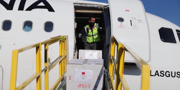 BE do dërgojë 145 mijë vaksina anti-Covid për Shqipërinë deri në fund të Gushtit