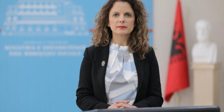 BE njeh pasaportën shqiptare për të vaksinuarit, Tomini: 9 shtete njohin edhe Sinovac
