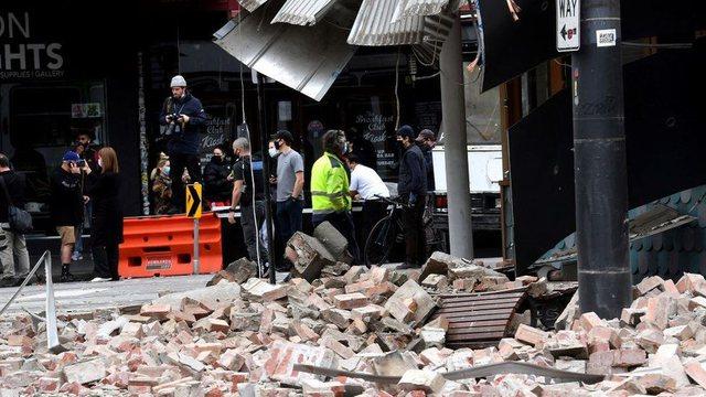 Tërmeti me magnitudë mbi 5 shkund Australinë, pamjet si u dëmtuan pallatet (Video)