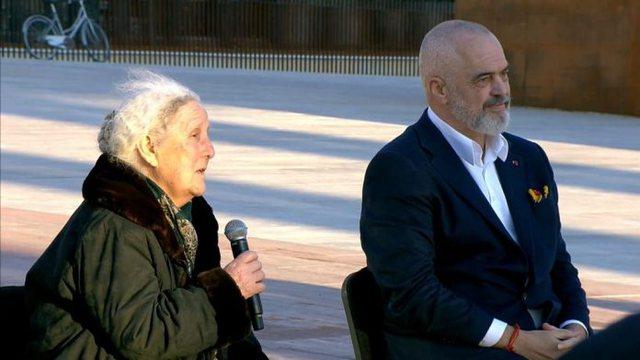 Luljeta Bozo nuk ndryshon qëndrim për komunizmin: Ministre? Nuk kam energji