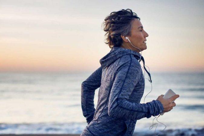 Metabolizmi ndryshon me moshën, zbuloni kur trupi juaj djeg më shumë kalori