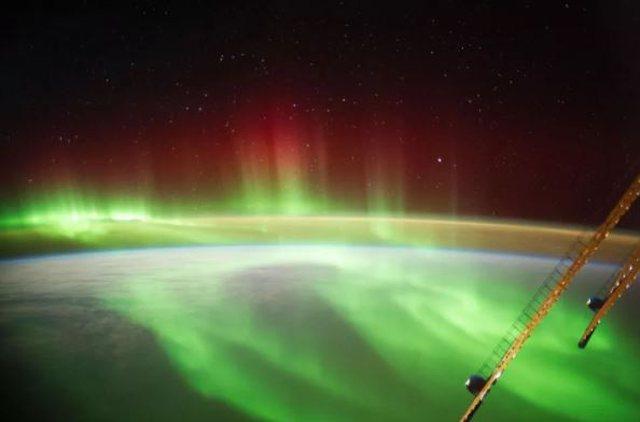 Stuhia diellore godet Tokën, aurorat veriore spektakël në Nju Jork (VIDEO)