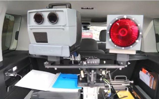 Makina inteligjente që do kapë shkeljet e shoferëve në rrugë mbërrin në Shqipëri (Foto+Video)